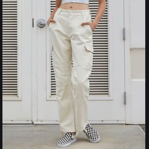 Brandy Melville✨Piper Cream Cargo Pants Juniors S